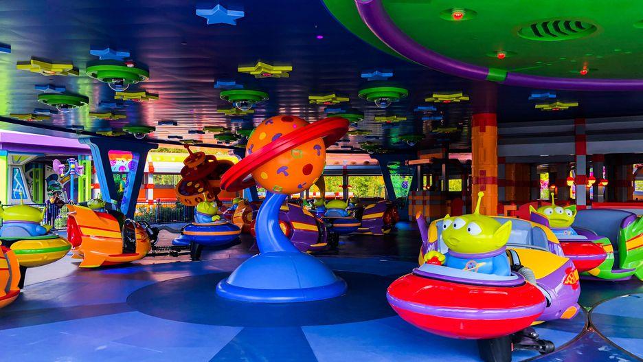 Brinquedos que remetem aos personagens de Toy Story