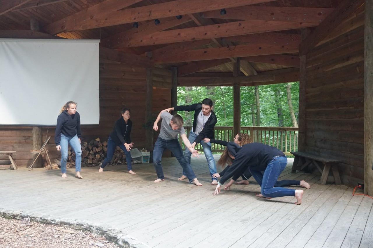 intercambio-trabalhar-acampamento
