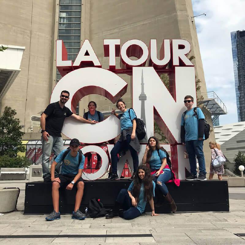 High School Canadá – CN Tower e Dundas Square