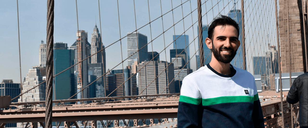 Alessandro trabalhou nos Estados Unidos e conta como foi