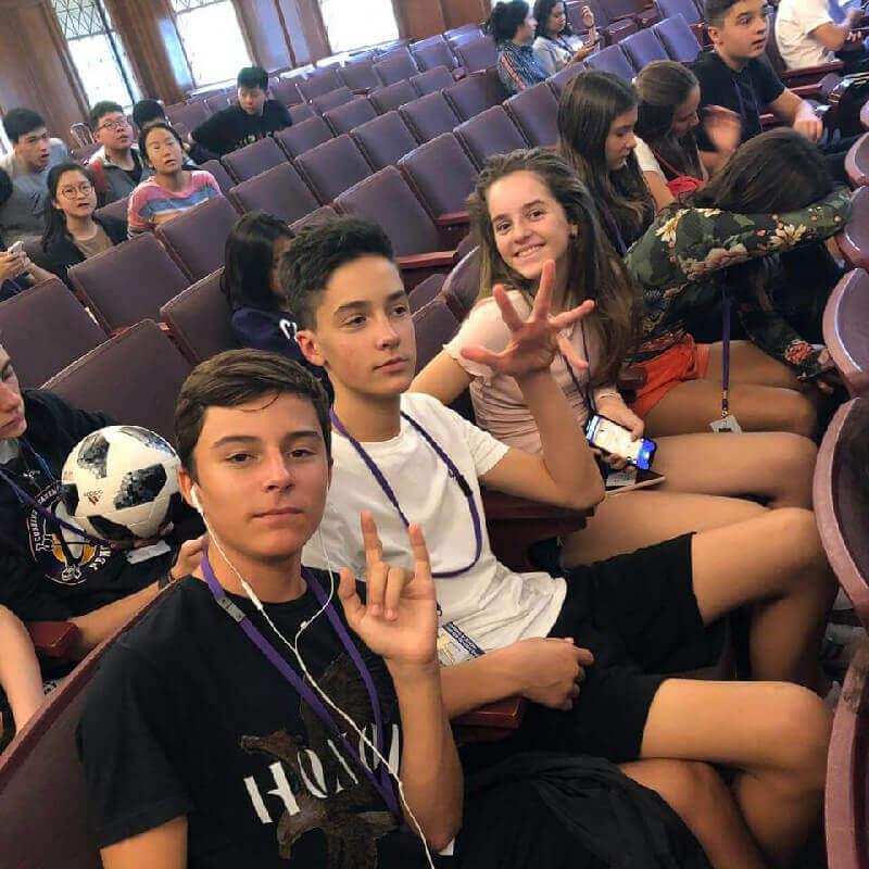 Férias Teen Cushing: Orientação na escola