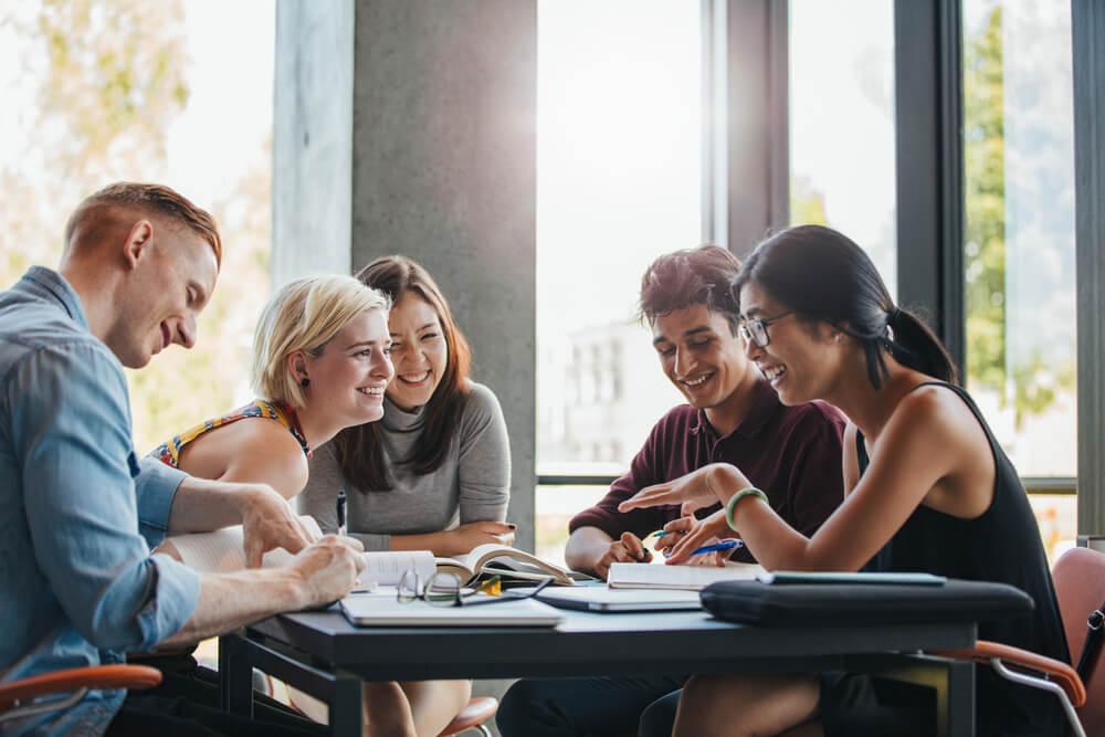 Confira os destinos da EC English e descubra o lugar ideal para o seu curso de idiomas no exterior