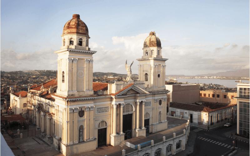 Santiago de Cuba está entre as principais cidades para quem busca viagens ou intercâmbios no país