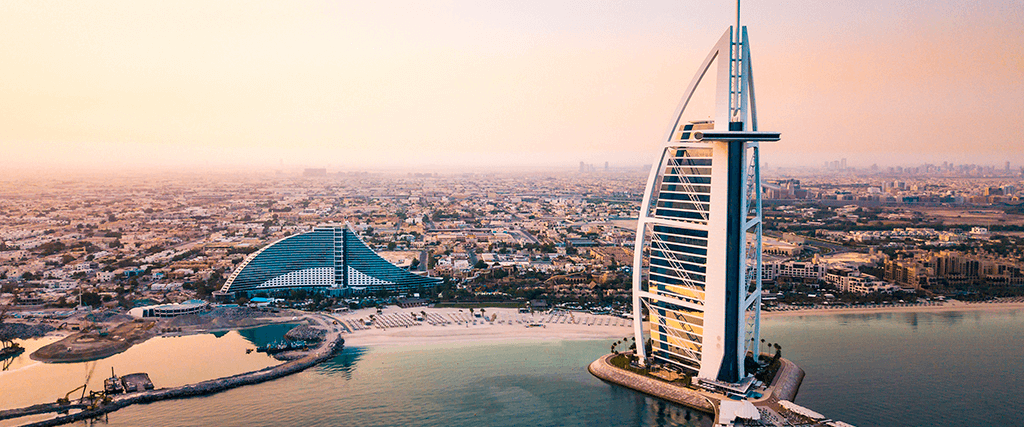 Viaje ou faça um intercâmbio nos Emirados Árabes Unidos