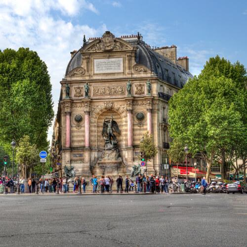 Boulevard Saint Michel, em Paris