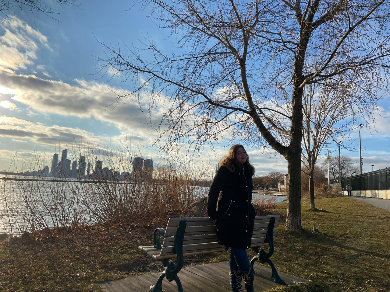 Júlia estudou no Canadá, na cidade de Toronto