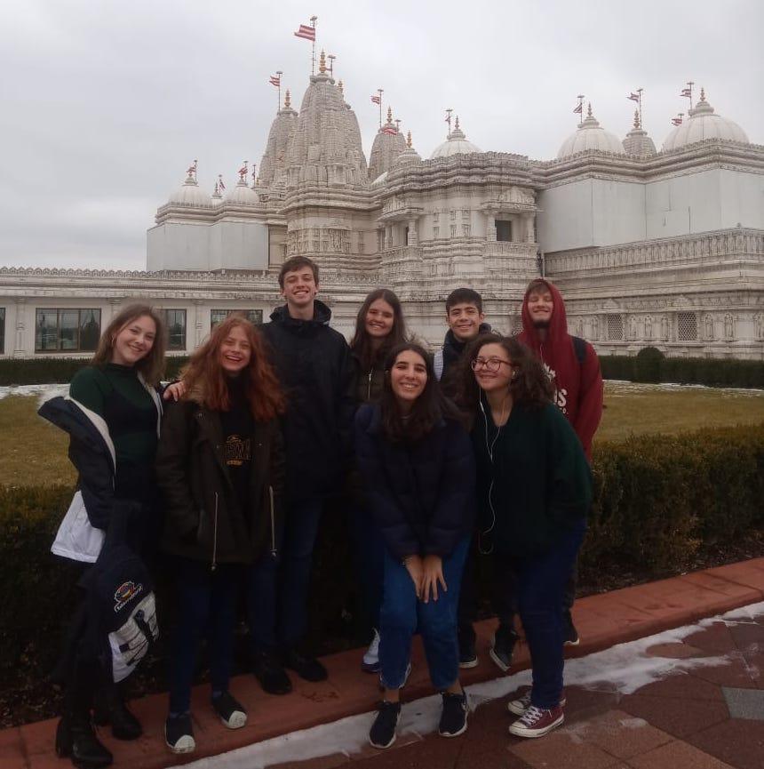 Dia light com visita a um templo!