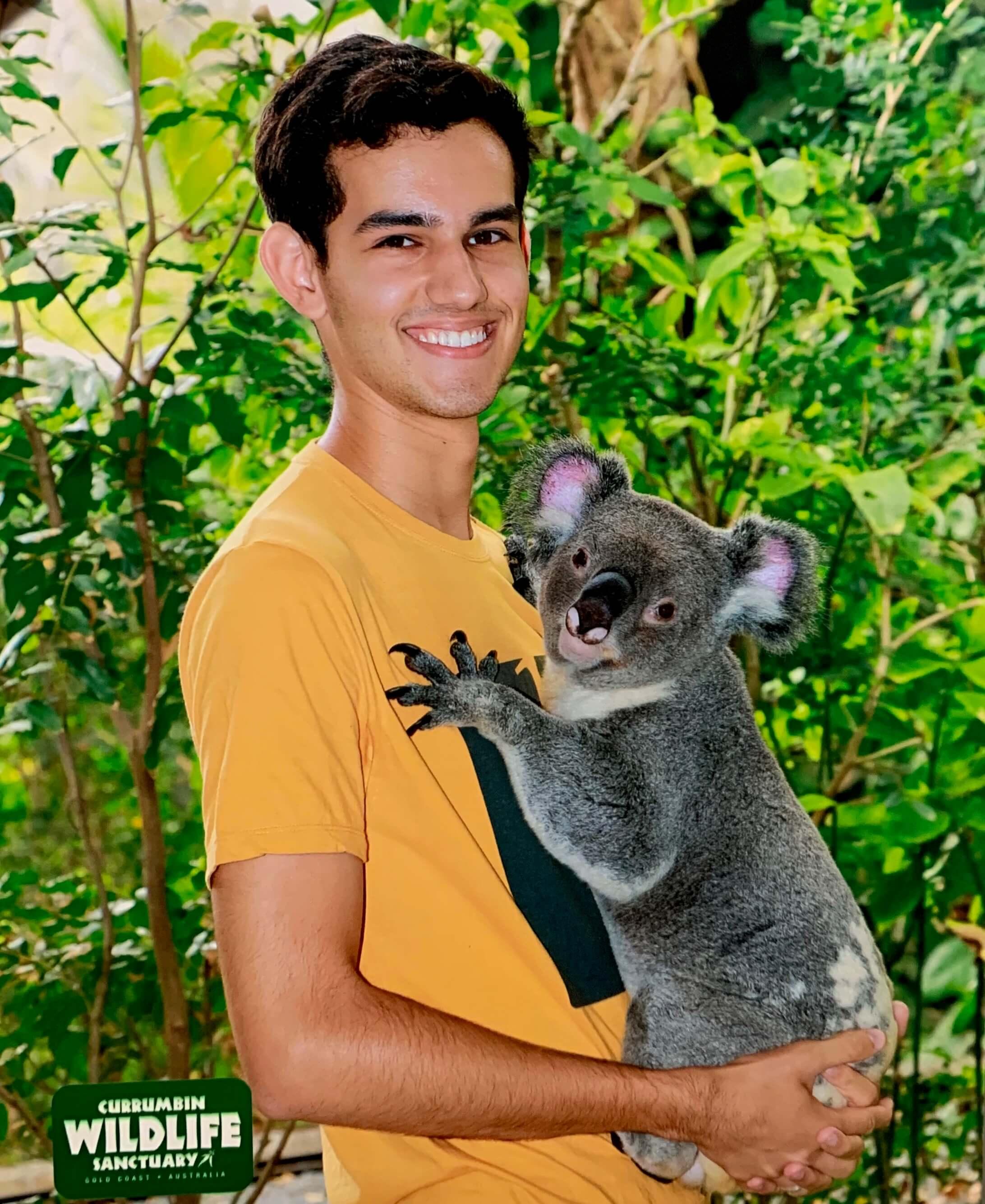 Bruno também teve a oportunidade de conhecer e ficar pertinho de um coala