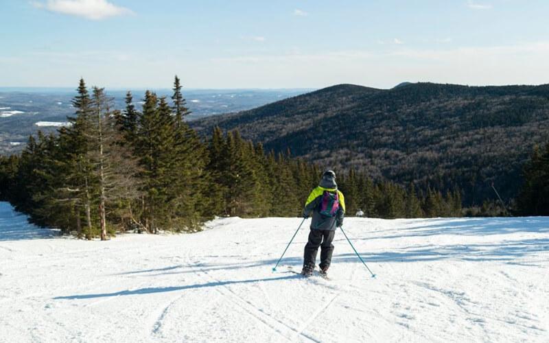 Praticante de esqui em Mount Snow
