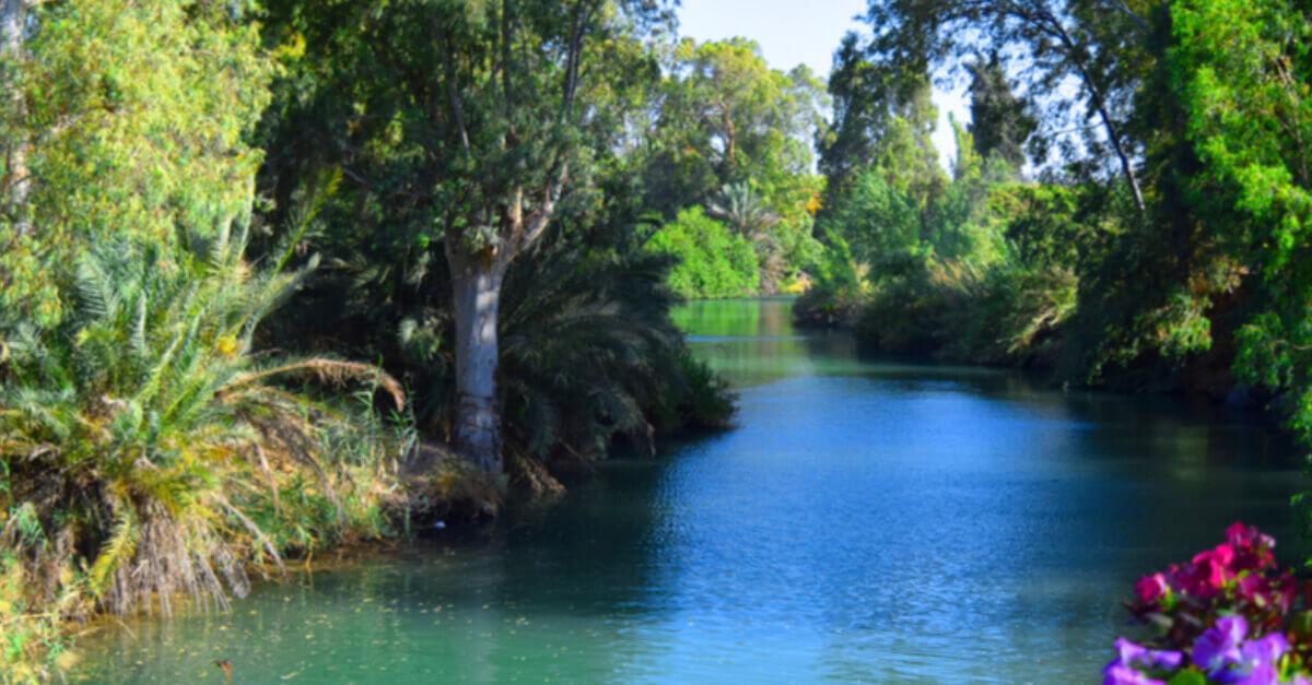 Foi no Rio Jordão que aconteceu o batizado de Jesus Cristo e por isso ele é considerado um dos principais destinos para turismo, durante a semana santa