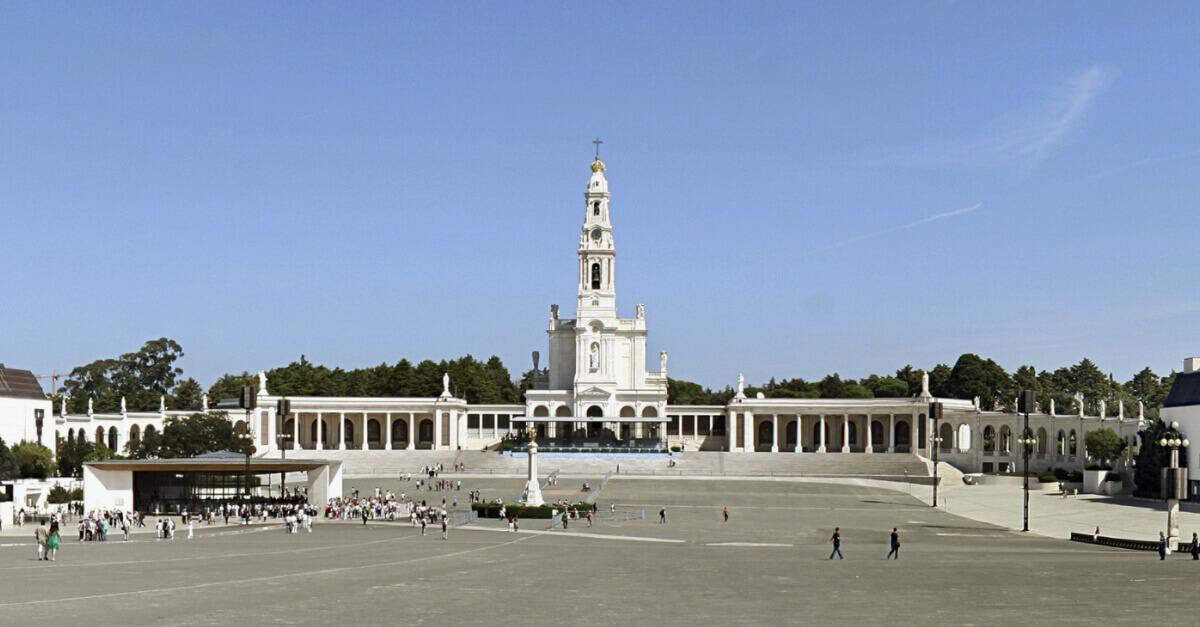 Imagem do Santuário de Fátima, que fica em Portugal.
