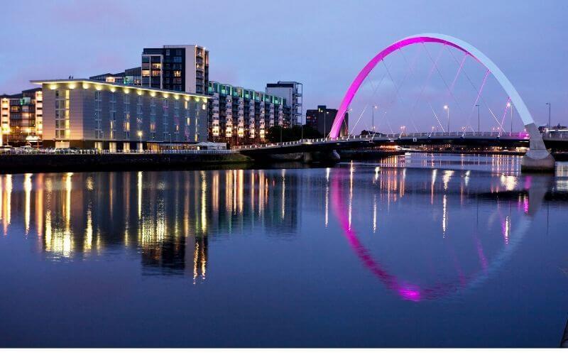 Consulte as opções de intercâmbios disponíveis em Glasgow.