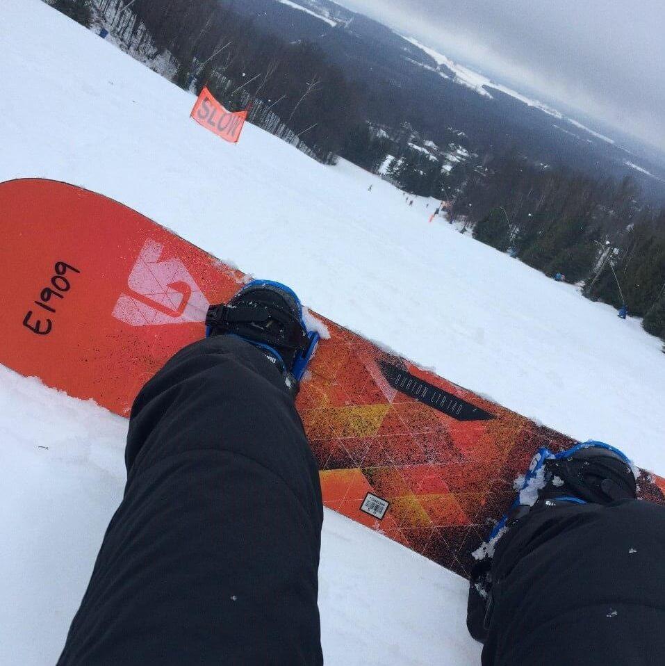 Jéssica em Toronto, durante seu intercâmbio, onde fez snowboard
