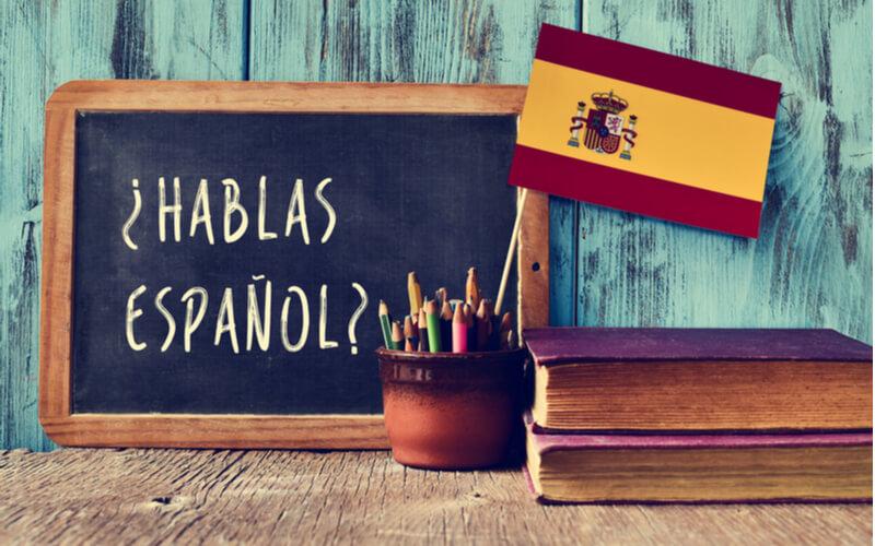 Ao fazer um curso de espanhol no exterior, você ganhará fluência