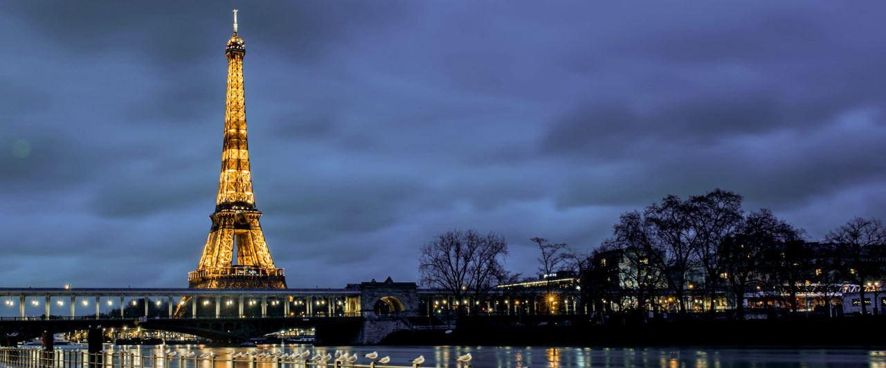 Veja a Torre Eiffel em Paris e apaixone-se pela França