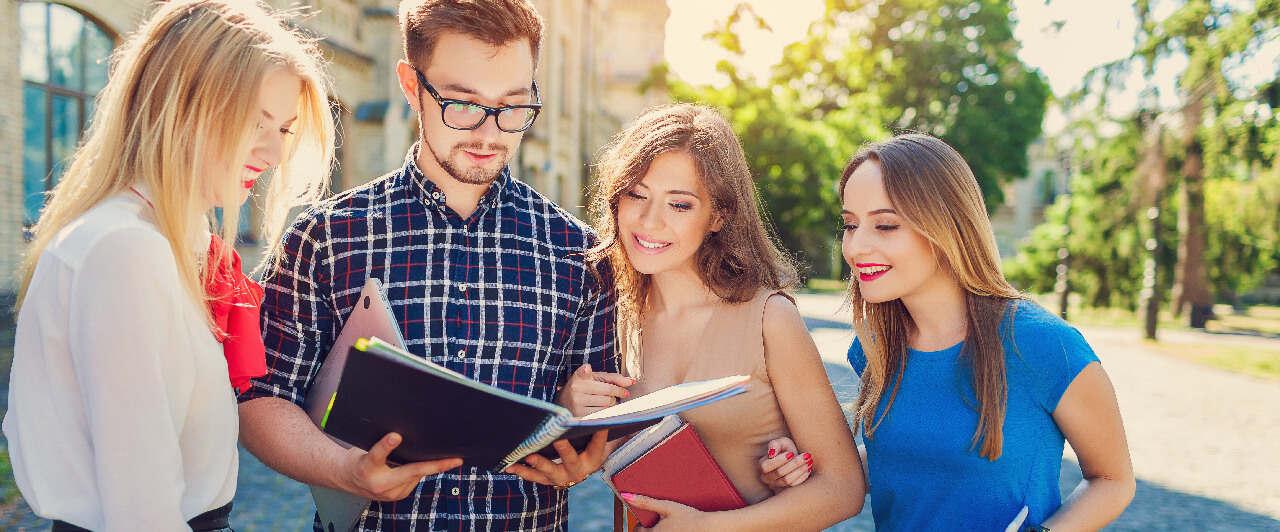 Como escolher a melhor escola de intercâmbio para estudar inglês?