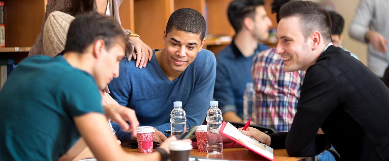 Faculdade no exterior: 5 motivos para você investir!