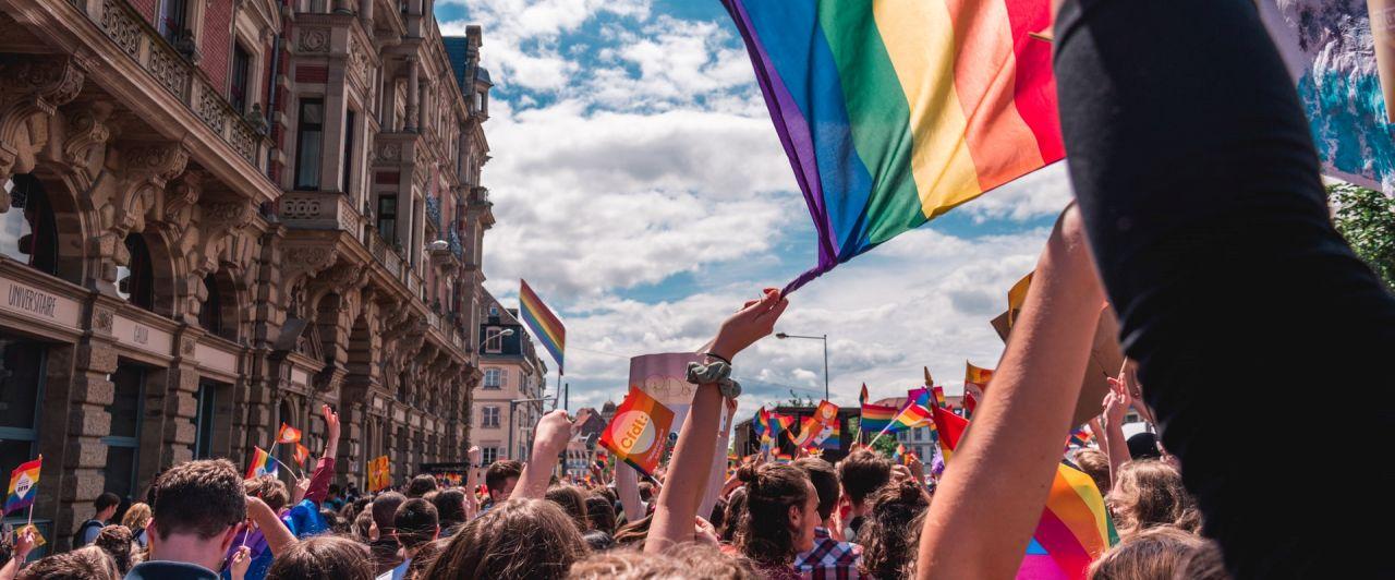 As 5 maiores paradas LGBTQ+ do mundo e a luta por respeito